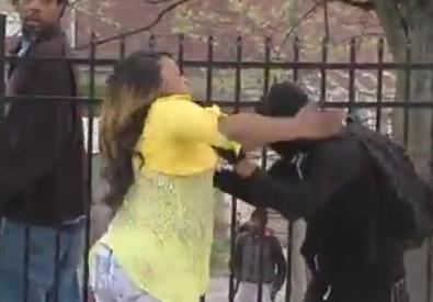 Baltimora, madre picchia figlio che partecipa a proteste (ANSA)
