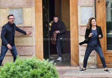 Per gentile concessione del Corriere del Trentino. Negli scatti di Matteo Rensi, gli attimi concitati della rapina (ANSA)