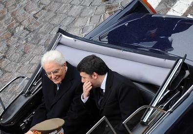 Il presidente Mattarella con il premier a bordo della Flaminia, dopo il giuramento e il discorso di insediamento a Montecitorio, 3 febbraio 2015 (ANSA)