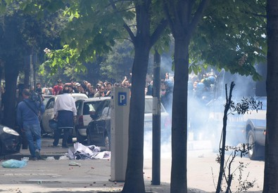 Salvini a Foggia, proteste e fumogeni (ANSA)
