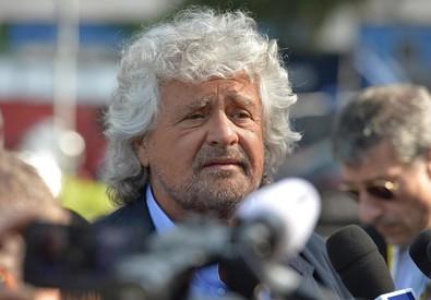 Beppe Grillo all'assemblea azionisti Eni (ANSA)