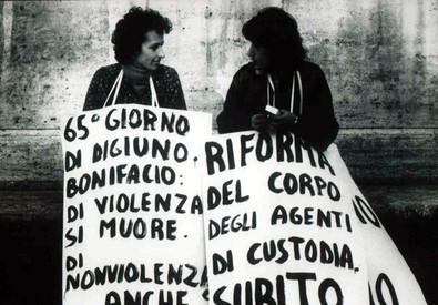 Una foto d'epoca di Emma Bonino e Adelaide Aglietta (ANSA)