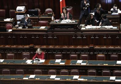 L'aula della Camera durante la discussione generale sulla scuola (ANSA)