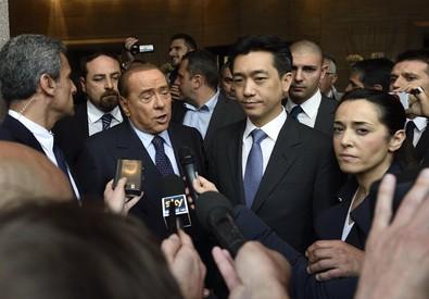 Berlusconi e Mr Bee (ANSA)