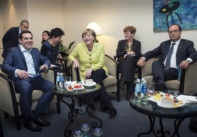 Tsipras, Merkel e Hollande a Riga (ANSA)