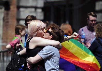 Nozze gay, l' Irlanda vota si' (ANSA)