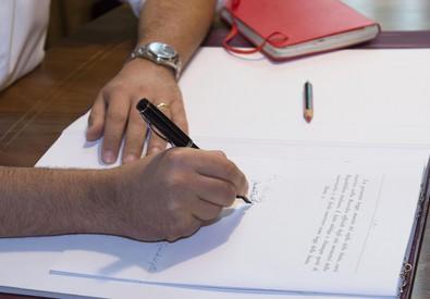 Anticorruzione: Renzi firma legge, gufi passano leggi restano (ANSA)