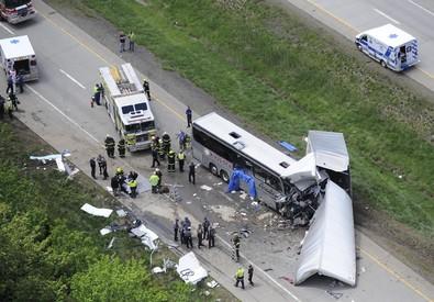 Usa: tir travolge bus turisti italiani (ANSA)