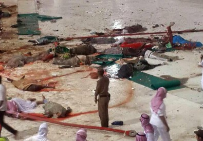 Crolla gru su Grande moschea Mecca, almeno 52 morti (ANSA)