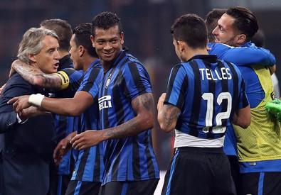 Guarin firma il derby, Inter da sola al comando (ANSA)