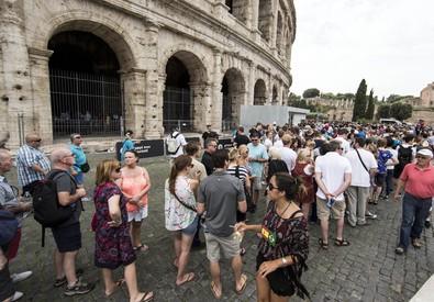 Colosseo chiuso: Cgil,sbloccati fondi salari accessori (ANSA)