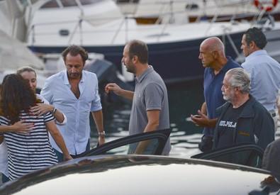Yacht in fiamme a Napoli: di De Laurentiis che era a bordo (ANSA)