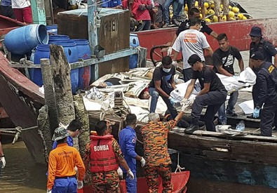 Malaysia: affonda barca con 70 migranti (ANSA)