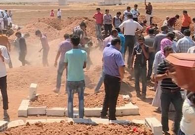 Il padre di Aylan a Kobane per seppellire la famiglia (ANSA)