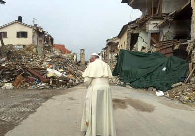 Papa Francesco ad Amatrice (ANSA)