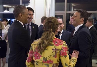 Matteo Renzi con Obama e Hollande al G7 - Foto Tiberio Barchielli - (ANSA)