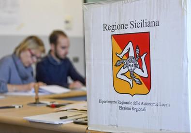 Elezioni: regionali Sicilia, aperti i seggi (ANSA)