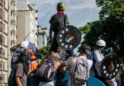 Hundreds of opponents protest on the street against state channel in Venezuela (ANSA)