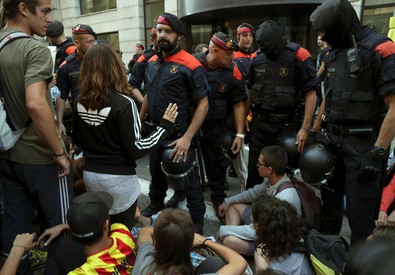 Protest in Barcelona (ANSA)