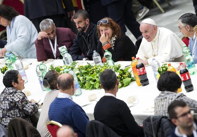 Pope Francis has lunch with needy people (ANSA)