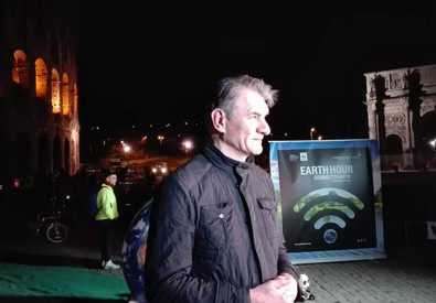 L'astronauta Paolo Nespoli partecipa all'Earth Hour al Colosseo (ANSA)