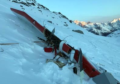 Resti dopo lo scontro tra elicottero e aereo (ANSA)
