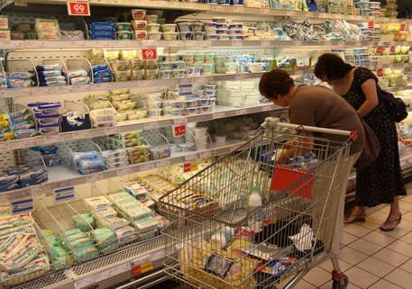 Vendite al dettaglio: +1,4% a gennaio, ma soffrono i piccoli negozi