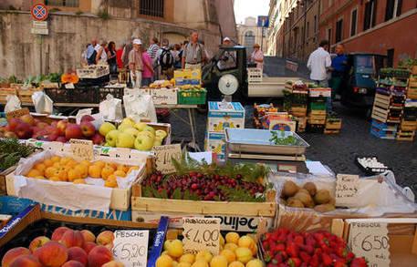 Istat, l'economia italiana accelera: migliora il mercato del lavoro