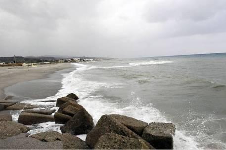 Maltempo Sicilia: allagamenti e disagi a Palermo, voli dirottati