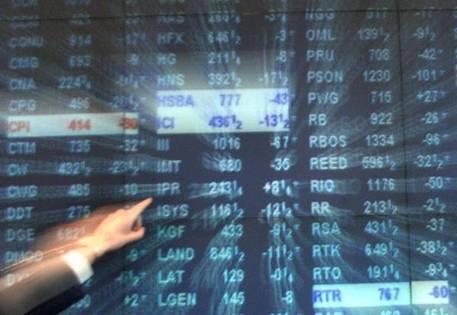 Borsa, Milano in forte calo. Crolla Unicredit -6,19%