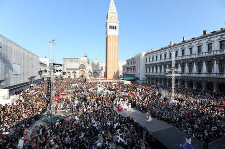 Venezia, conta-persone per l'accesso dei turisti Pronta la sperimentazione