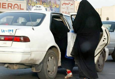 A.Saudita: divorzio, donna riceverà sms