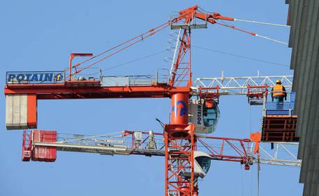 Istat permessi di costruire in calo economia ansa - Costruire casa in economia ...