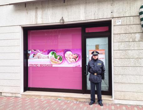 Lodi, centro massaggi 'hot'. Arrestate madre e figlia