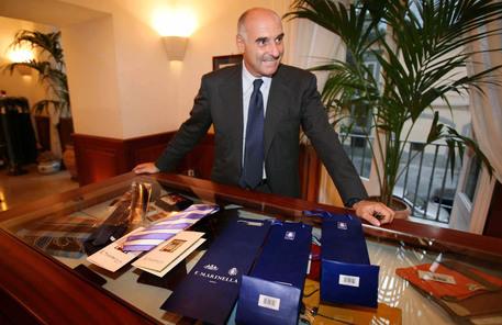 vende migliore online cerca il più recente Le cravatte di Marinella arrivano a Roma - Campania - ANSA.it