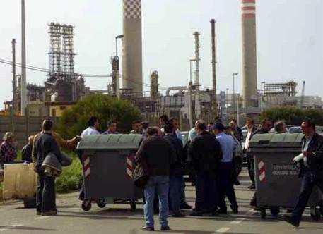 Petrolchimico di Gela, dall'indotto i primi licenziamenti$