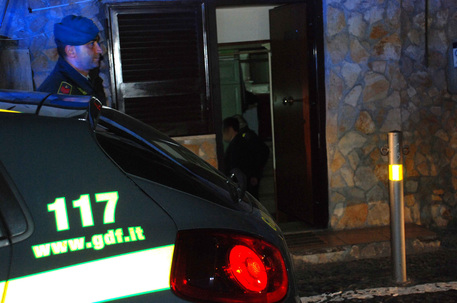 Falsi invalidi a Napoli, sequestri per 9 milioni di euro: 93 indagati