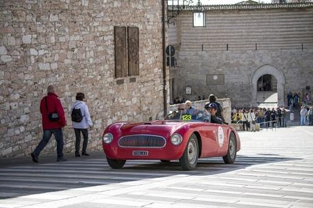 Mille Miglia, prima tappa in Veneto: 400 auto storiche e piloti vip