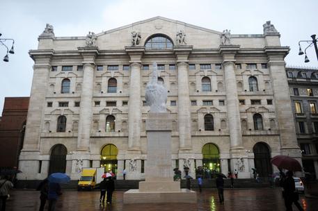 02b0b8b27f Borsa: Milano gira al rialzo con Eni - Economia - ANSA.it