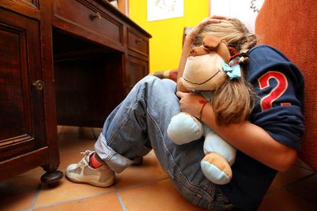 Napoli: branco minori torna libero. Aveva stuprato e filmato una 15enne