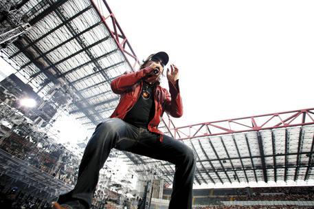 Vasco Rossi pronto a debuttare con i suoi primi inediti Heavy Metal