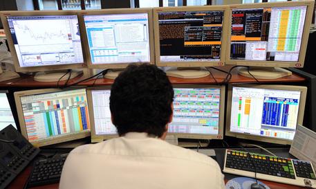 La Borsa di Milano brinda alla proroga del Qe Bce, Ftse-Mib +1,64%
