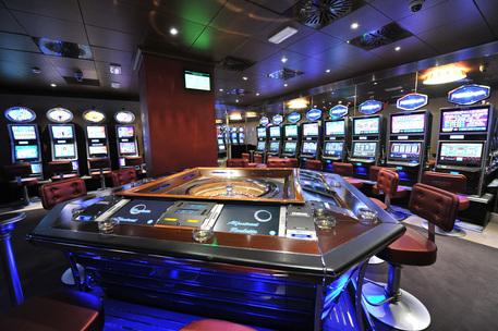Casino vallee d aoste tran family gambling