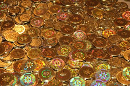 La valuta virtuale Bitcoin (foto: ANSA )