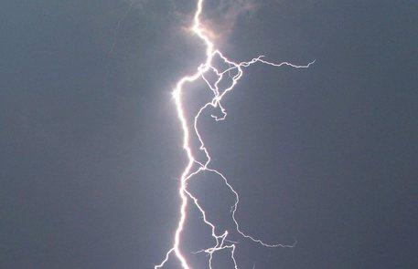 Sicilia, Meteo: previsti temporali con fulmini e possibili grandinate