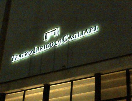 Lirico Cagliari, appello M5s a Stato