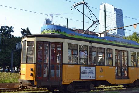 Milano, in pensione lo storico tram 23