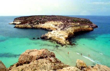 Acque inquinate a Lampedusa, sequestrato depuratore: 13 indagati