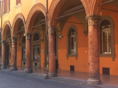 Mappa in 3d per i portici di bologna emilia romagna for Foto di portici in pietra