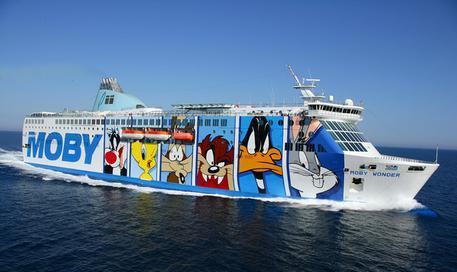 Porto livorno speronata nave per olbia sardegna for Nave sardegna